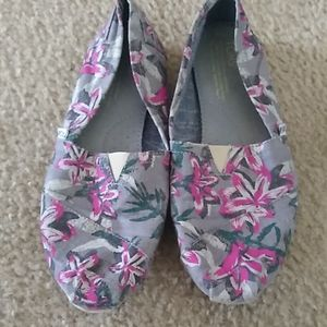Tom's floral slip on shoes